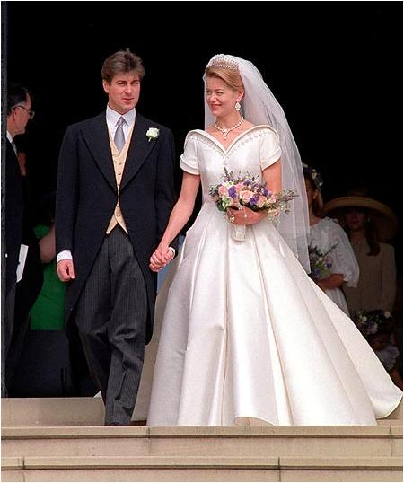 The Royal Order Of Sartorial Splendor Wedding Wednesday Lady Helen Taylor S Gown