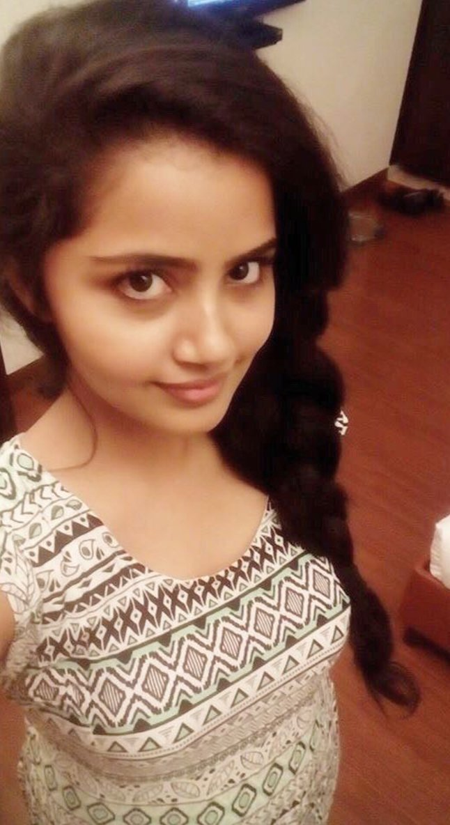 Actress AnupamaParameshwaran Latest Images
