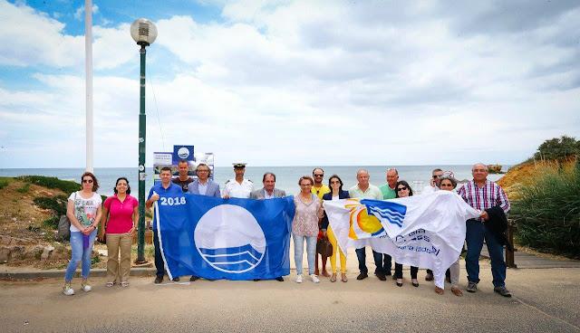 Albufeira é o primeiro município algarvio a hastear as bandeiras azuis em todas as praias