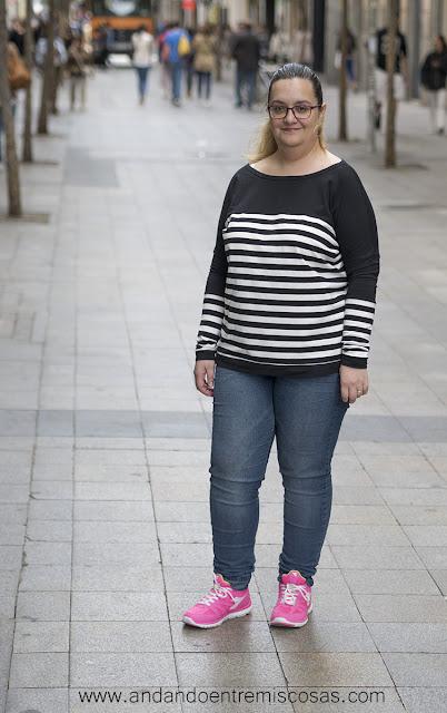 Camiseta Negra De Rayas De SheIn