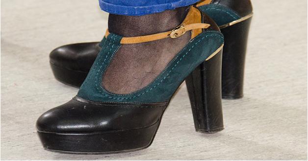 Model sepatu high heels Platform