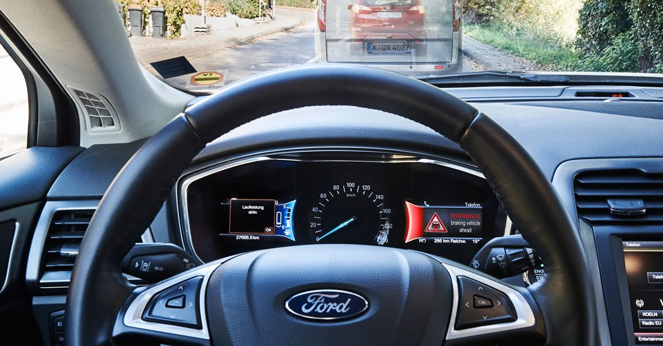 ford starts testing technology to help drivers avoid red lights. Black Bedroom Furniture Sets. Home Design Ideas