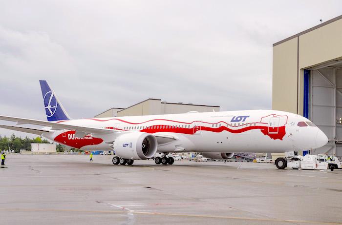 linie lotnicze, 787-9 Dreamliner LOT, filmy w samolotach LOT, Oferta pokładowa dla rodzin,