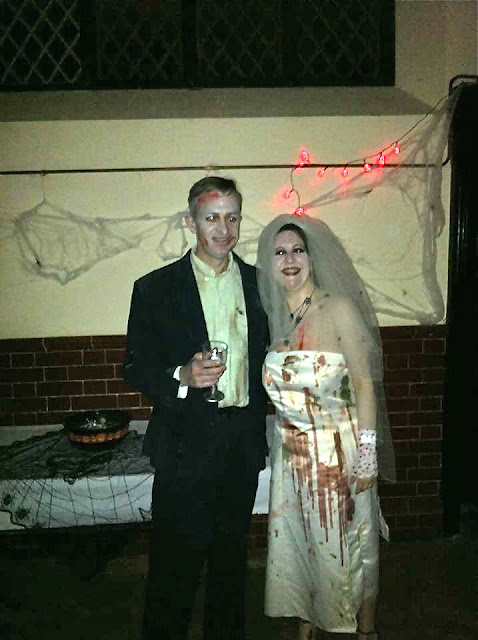 Zombie bride and groom costumes  for Halloween