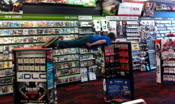 gamestop shutting down