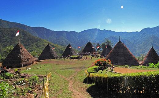 Keindahan Negeri di Atas Awan, Kampung Wae Rebo 2
