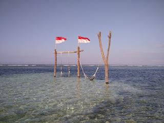 pantai the exile di gili trawangan
