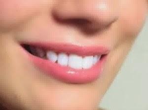 12 Tips Memerahkan Bibir Secara Alami