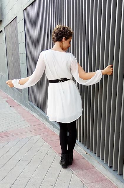 Vestido-gasa-cuello-V-blanco-4