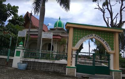 Tempat Wisata di Kota Pekanbaru Komplek Makam Marhum Pekan