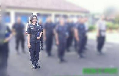 Ingin Jadi Artis Ririn Widya Menjadi Satu-satunya Brimob Perempuan di Cirebon