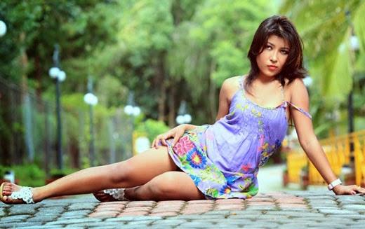 Camila alves amp kenya moore lesbians in the confidant - 3 4