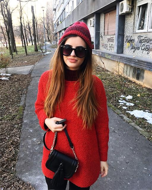 http://highheelpoodl.blogspot.rs/2017/01/top-5-knitted-dresses.html