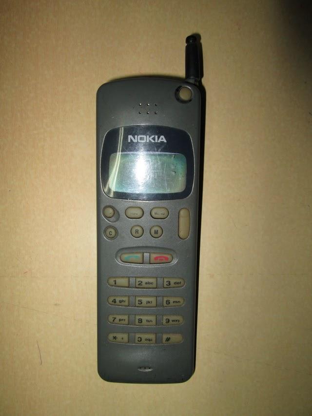 Nokia 2010 bata rusak buat kanibalan