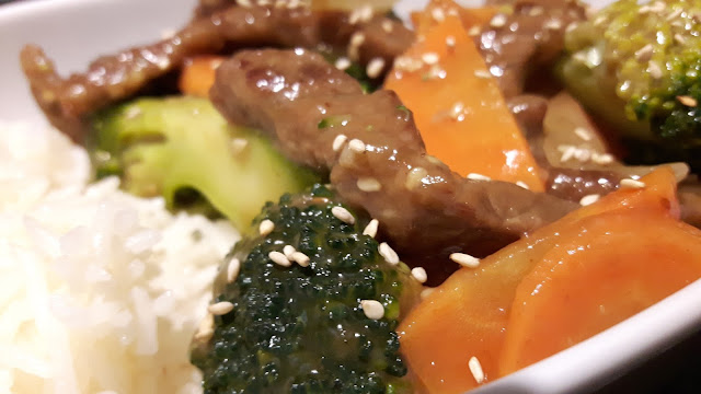 Gemüse-Rindfleisch-Wok