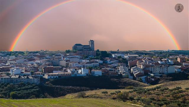 Campo Real Bajo el Arco iris