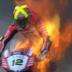 VÍDEO: Moto pega fogo e deixa piloto em pânico durante corrida de motovelocidade, assista