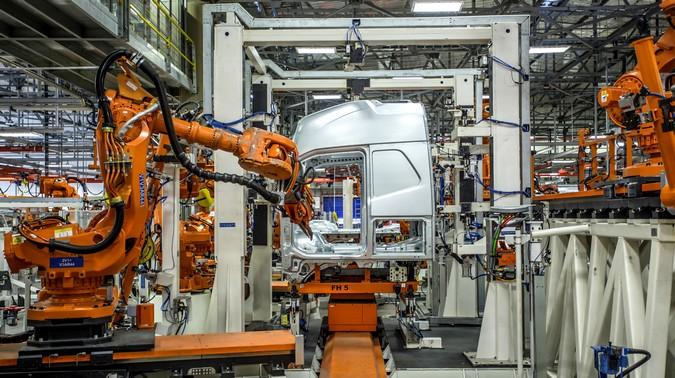 Produção de caminhões encerra primeiro trimestre com leve recuo