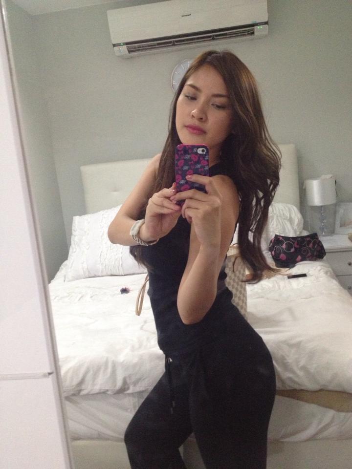 nathalie hayashi sexy cleavage pics 04