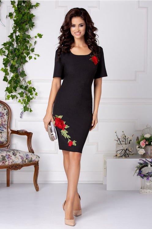Rochie neagra midi eleganta de ocazie cu broderie florala ieftina