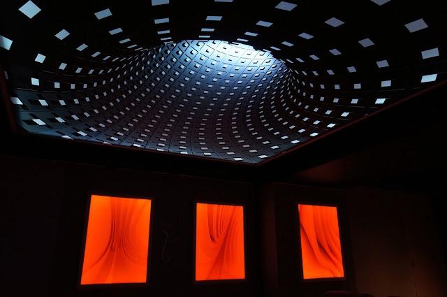 Tấm xuyên sáng 3D hiệu ứng màu đen