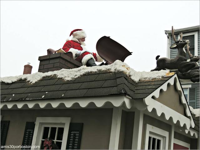 Santa Claus en el Desfile de Acción de Gracias en Plymouth