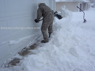 cheap snow shovel