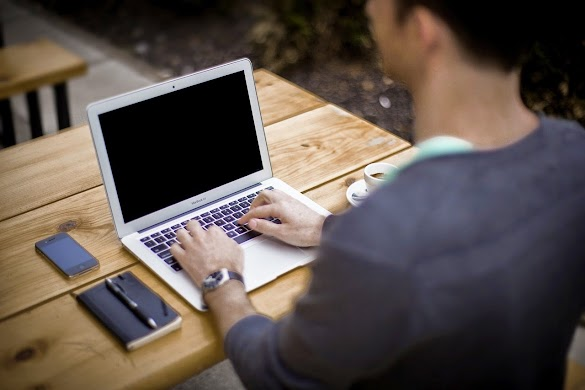 Rahasia Seorang Blogger Terungkap: Anda Dapat Contoh Bagaimana Pola Kerja Mereka Lakukan Menjadi Seorang Profesional