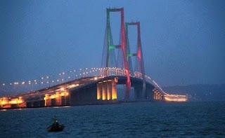 Jembatan Suramadu Surbaya