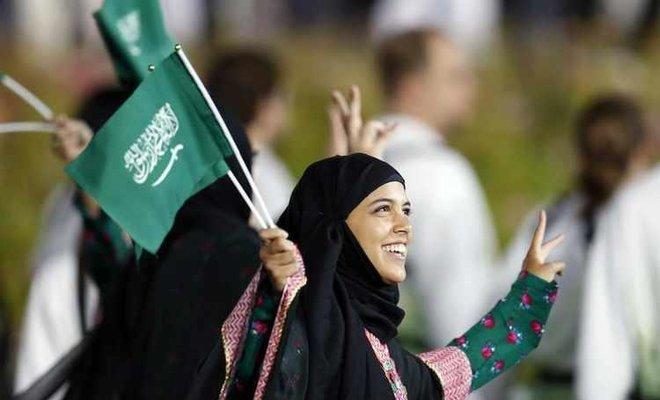 Kafe Arab Saudi Kini Izinkan Perempuan dan Laki-Laki Duduk Semeja