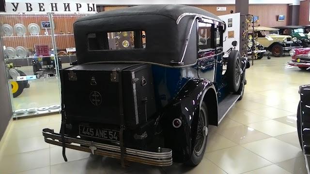 Лорен-Дитрих 1928 года вид сзади