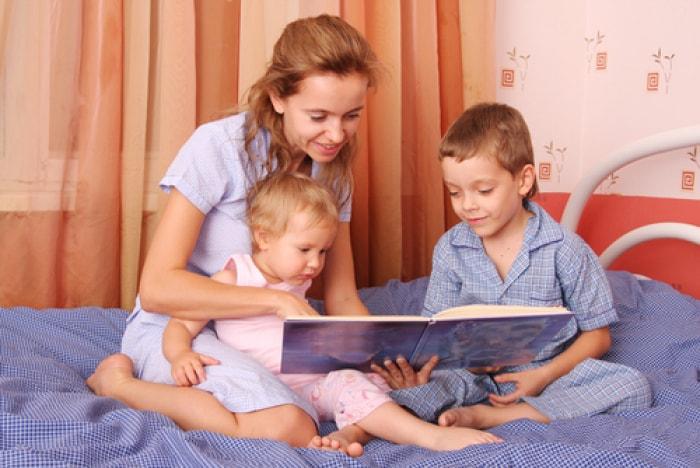 Đọc sách cho bé nghe sao cho hiệu quả? - nên đọc sách gì cho bé nghe