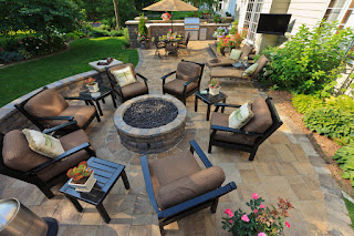 backyard patio seating
