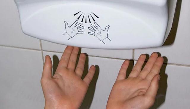 Jangan Pernah Gunakan Hand Dryer Lagi!!, Ini Dia Alasan Yang Mendasarinya