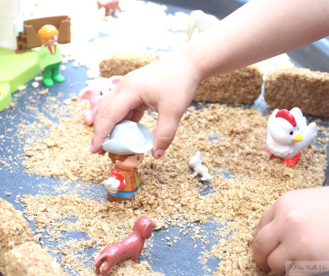 children stories, Julia Donaldson, sensory play, farmyard small world,