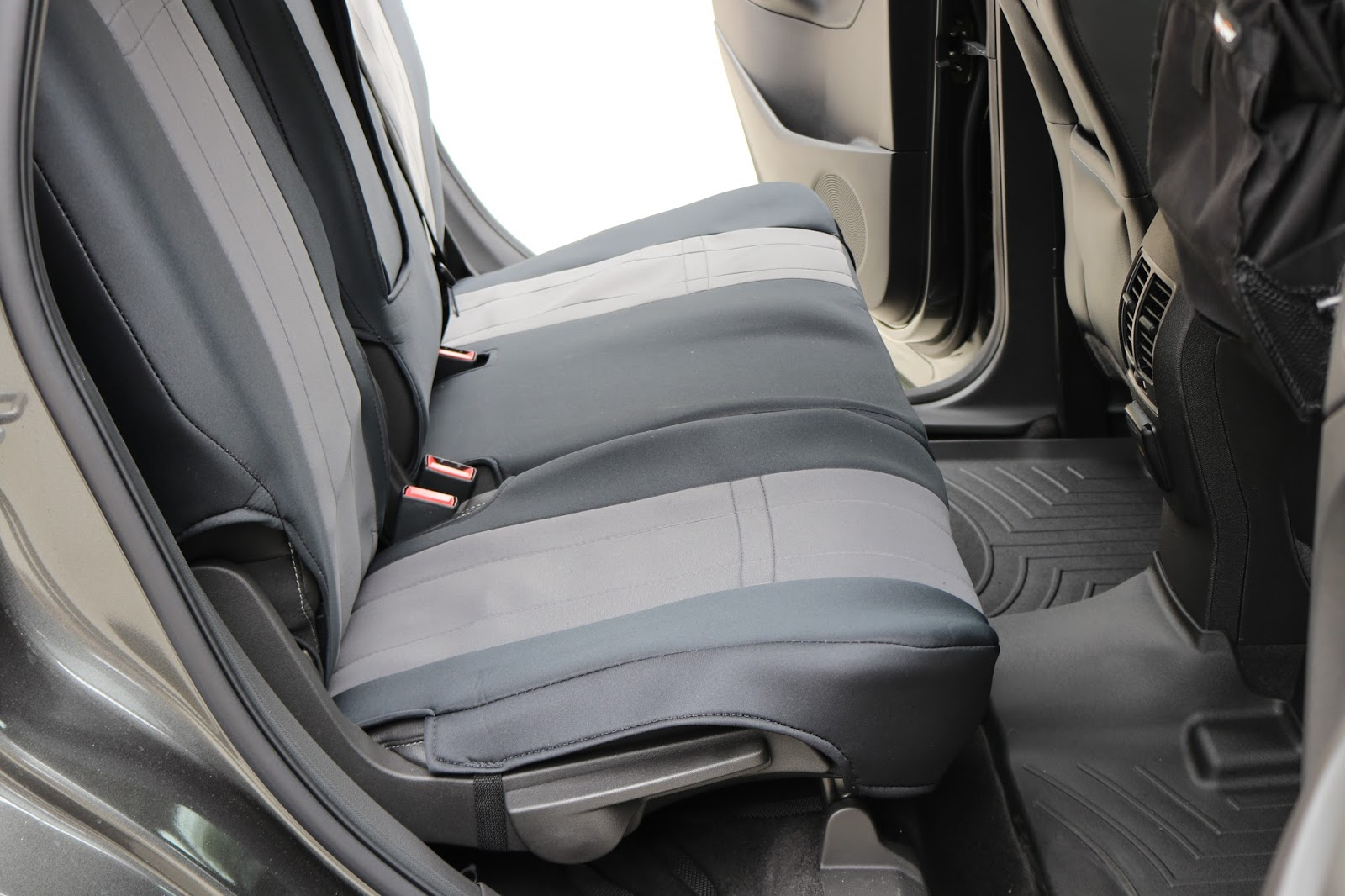 It took us about 30 minutes to install the CalTrend NeoSupreme rear bench seat cover in the Ford Escape. The seat cover provides a snug fit so it does not ... & Covering Classic Cars : 2017 Ford Escape Custom Fit Vehicle ... markmcfarlin.com