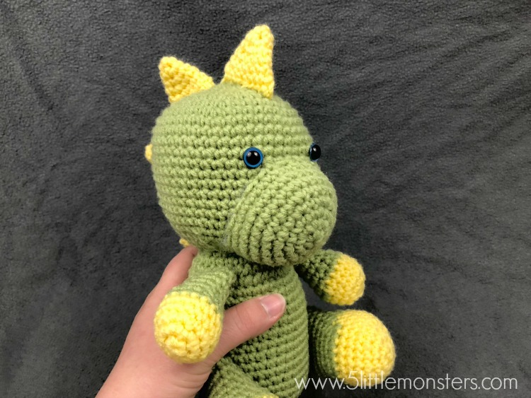 20+ Toy Dinosaur Crochet Pattern – Pattern Giveaway! - A More ... | 563x750