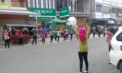 Joget Di Pinggir Jalan, Cara Promosi Smartphone Terbaru