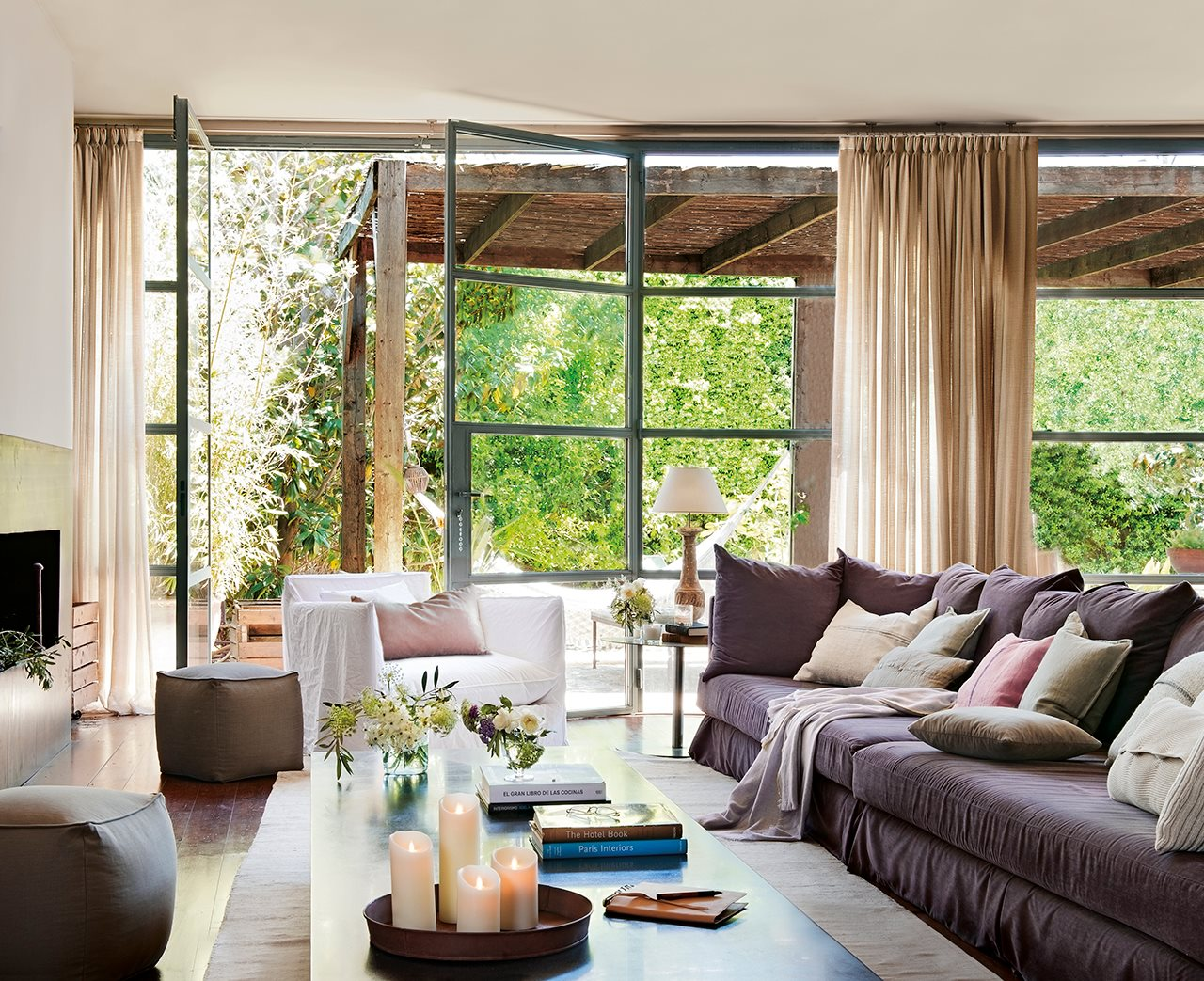 decordemon: A country house adapted to a relaxed lifestyle
