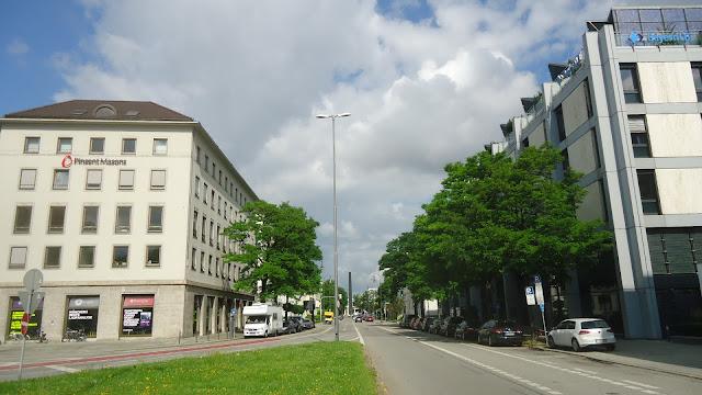 Karolinenplatz O que ver em Munique Alemanha nazismo