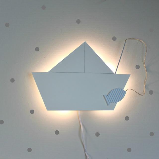 luz de noche quitamiedos barquito de papel