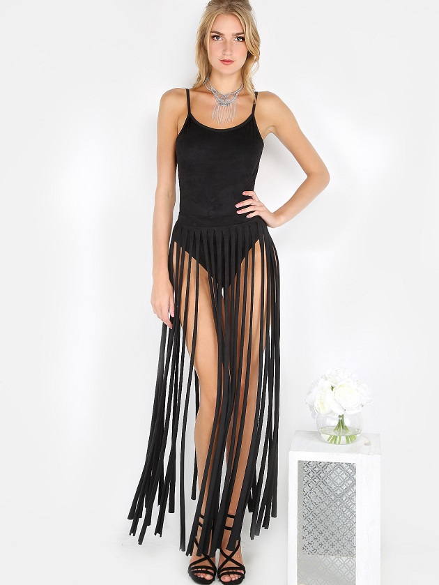 http://us.shein.com/Faux-Suede-Fringe-Matching-Set-BLACK-p-304486-cat-1780.html?utm_source=libertadgreen.blogspot.com&utm_medium=blogger&url_from=libertadgreen