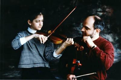 Hướng dẫn cách cầm đàn Violin đúng