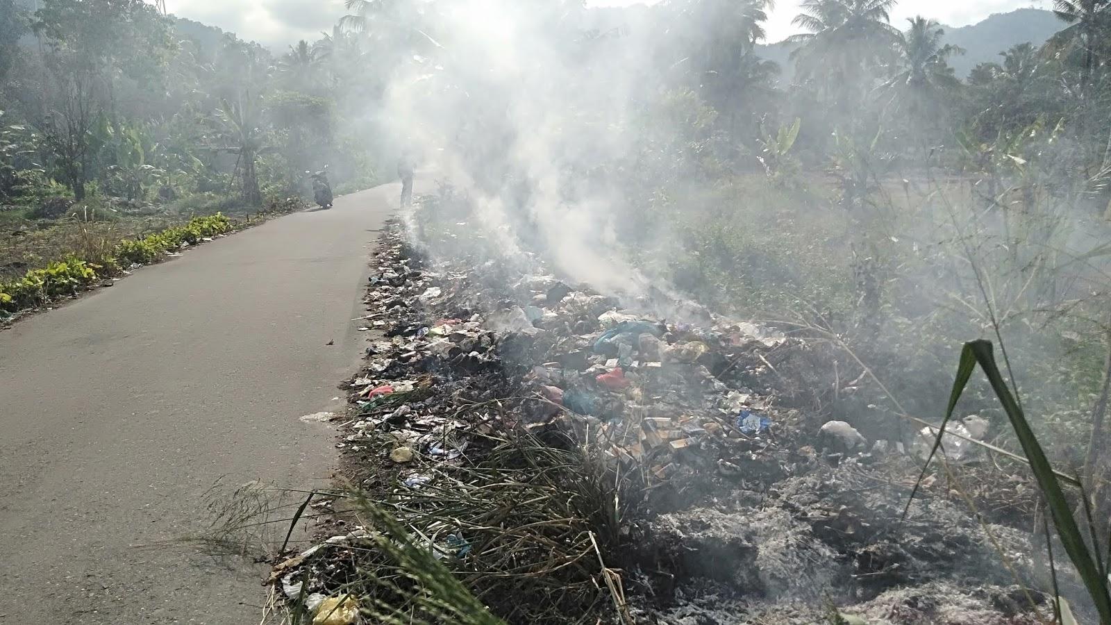 Sampah di Jalan Saropan Sigalangan 70 % Kiriman dari Daerah Lain