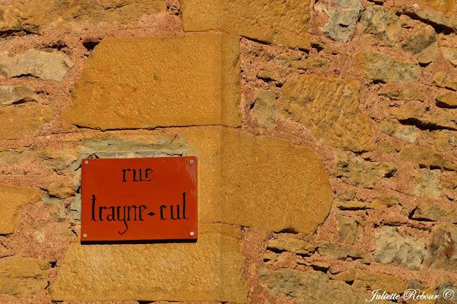 Rue Trayne-cul à Oingt