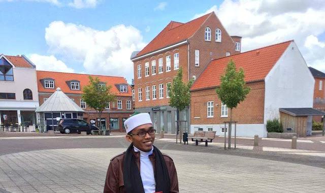 Abdul Razaq Ridhwan Khatib Shalat Ied di Denmark
