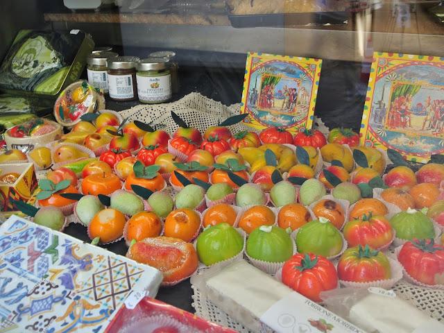 słodkie smakołyki, regionalne wyroby Cefalu