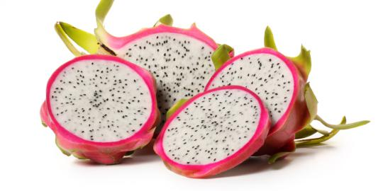 http://mypotik.blogspot.com/2016/11/nutrisi-pada-buah-naga-merah-dan-putih.html