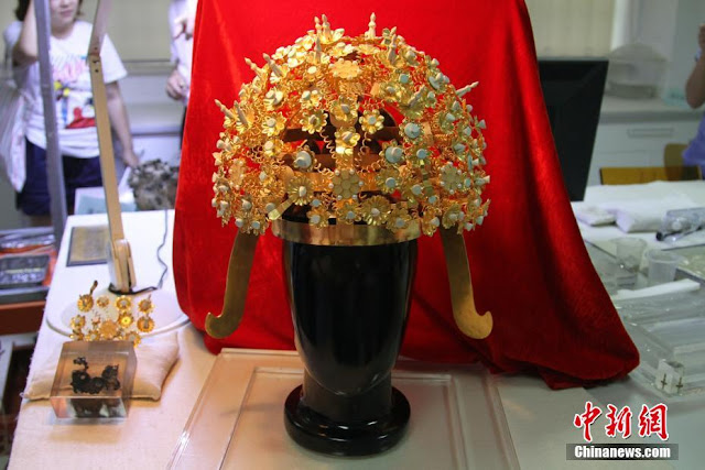 Crown of Empress Xiao of Sui Dynasty revealed in northwest China