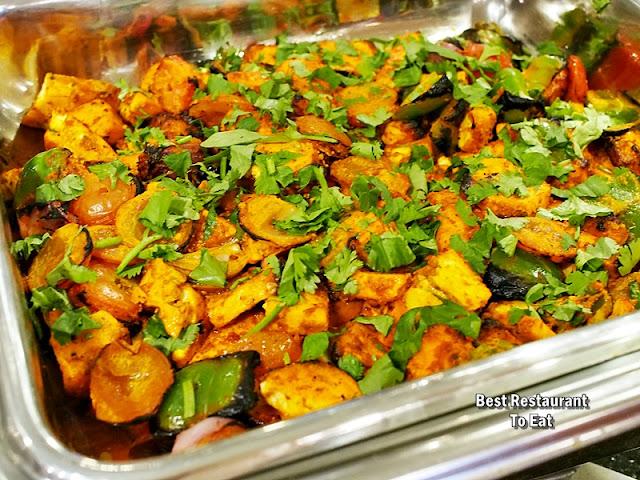 Royal Darbar Restaurant Buffet Paneer Tikka Masala